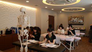 【福岡校】IAPA認定アロマテラピスト養成コース第13期生・月曜日コース
